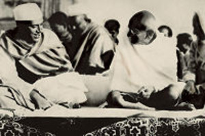 200pxnehru_gandhi_1937_touchup